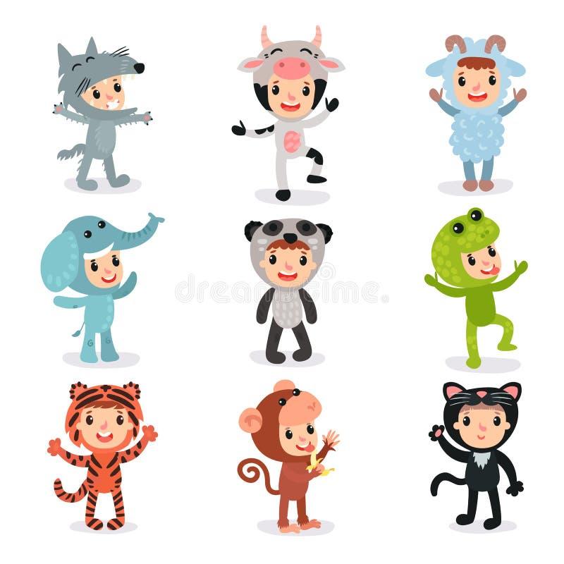 Красочный комплект детей в различных животных костюмах иллюстрация штока