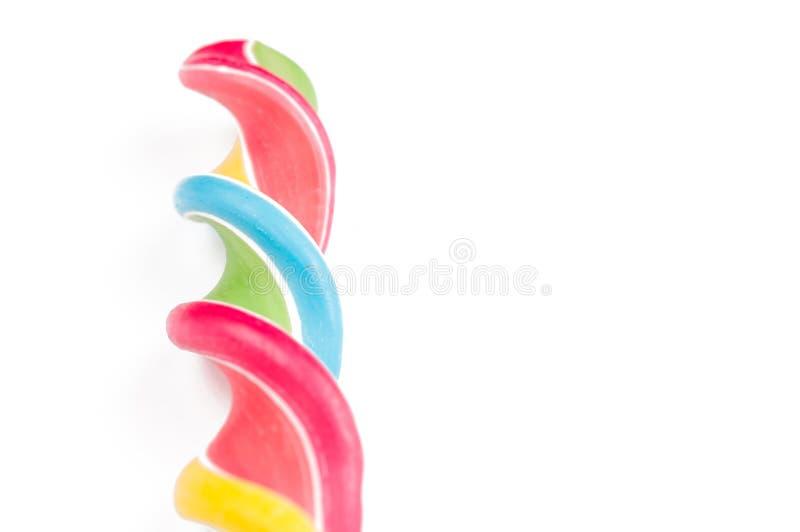 Красочный леденец на палочке изолированный на белой предпосылке E r стоковые изображения rf