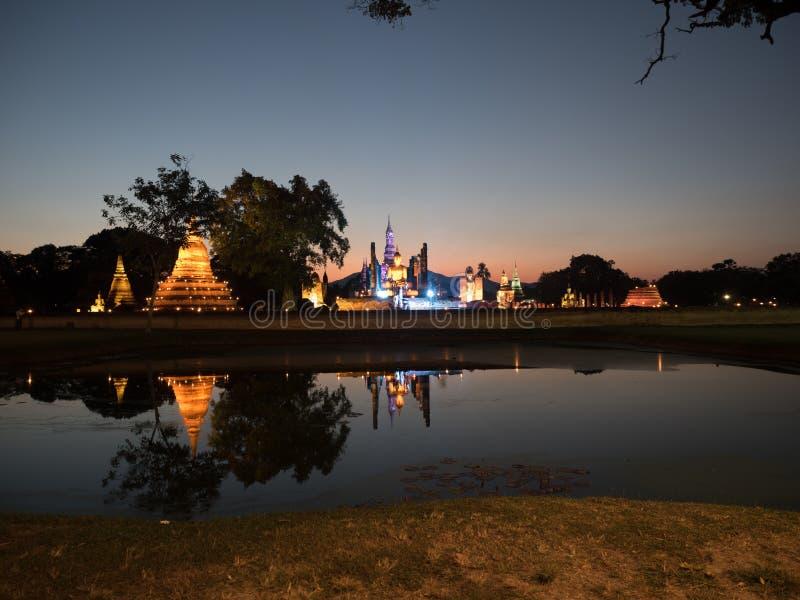 Красочный парк Sukhothai исторический стоковая фотография rf