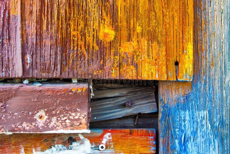 Красочный покрашенный выдержанный конец древесины вверх стоковые фотографии rf
