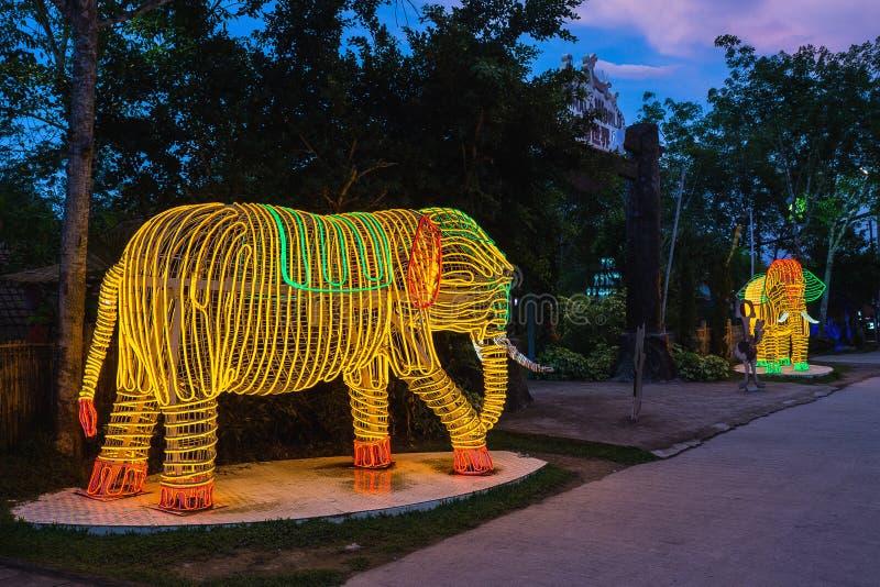 Красочный свет слона стоковое изображение