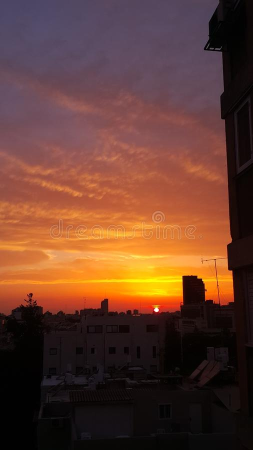 красочный фотоснимок неба захода солнца стоковое изображение