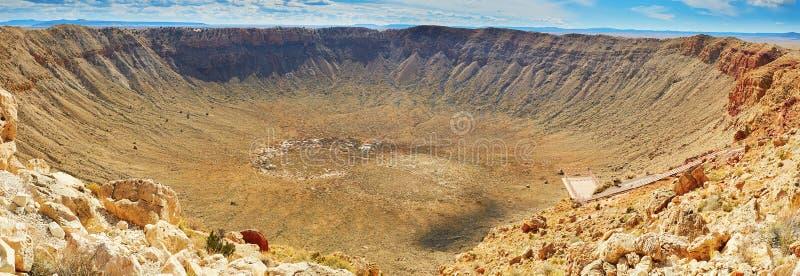 Кратер метеора также известный как кратер Barringer в Аризоне стоковое фото rf