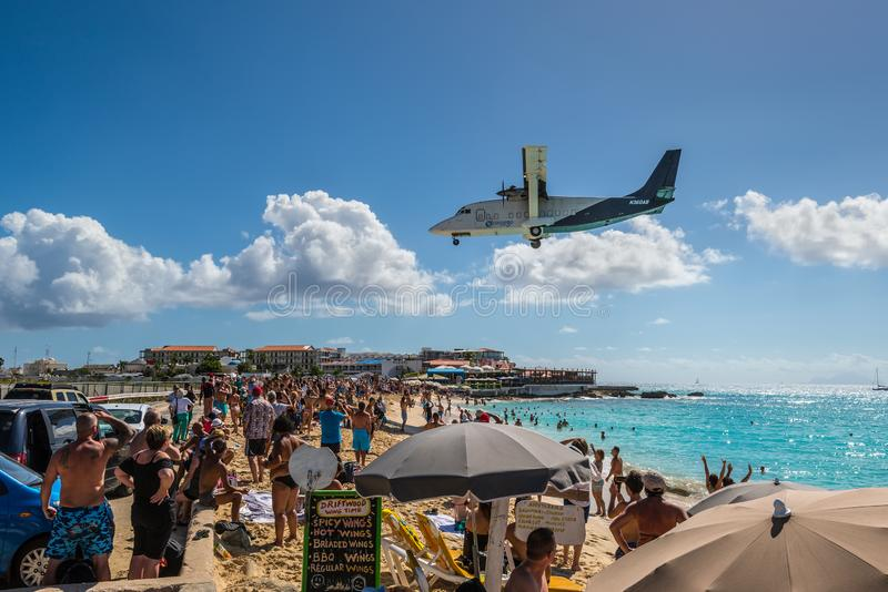Краткость 360 воздушных судн перехода несущих авиационного груза стоковая фотография