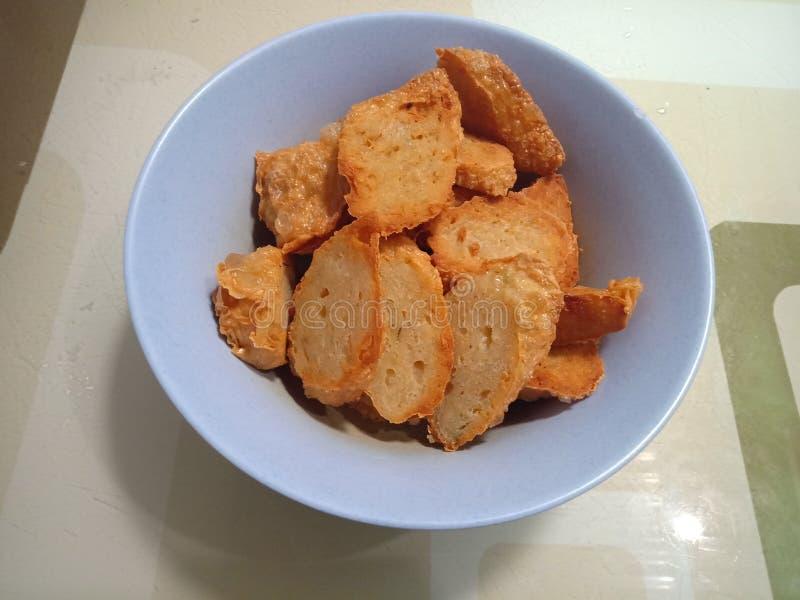 Креветка заполненная с после этого зажаренной мукой покрытой с кожей тофу и стоковое фото