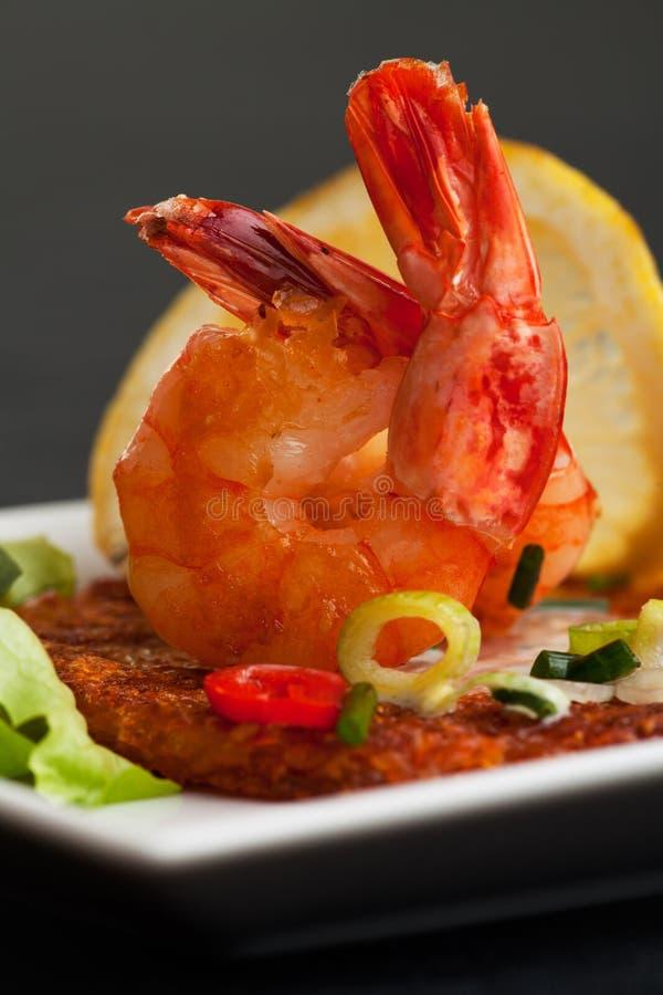 Download креветки стоковое фото. изображение насчитывающей еда - 17605468