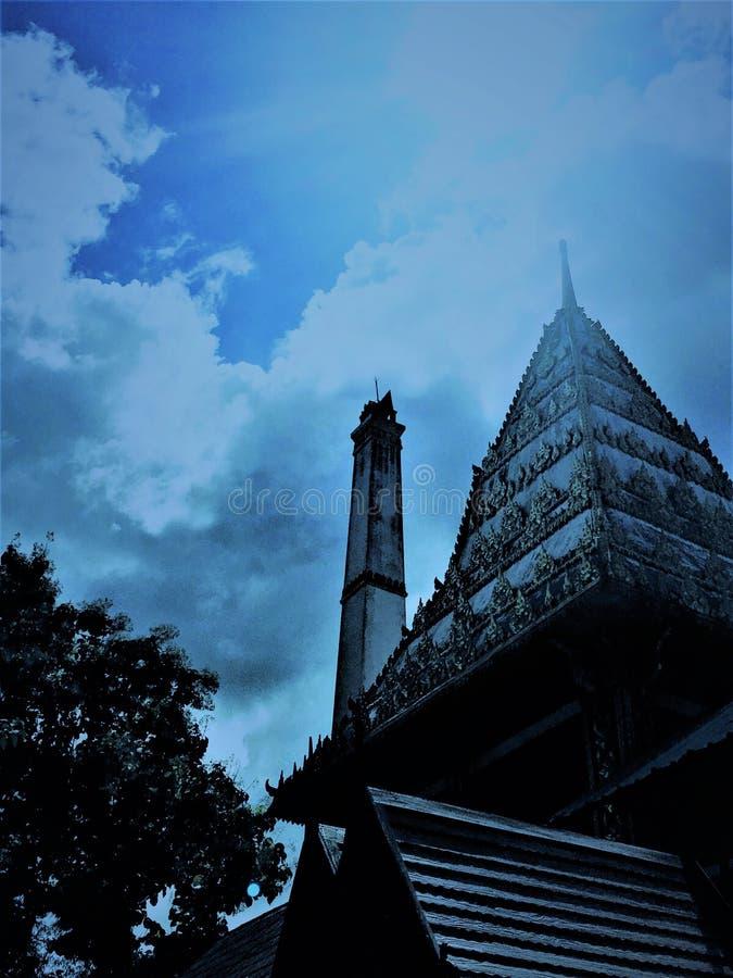 Крематорий в тайском виске на wat буддийского виска тайском большинств Thais кремировано в соответствии с буддийским ритуалом стоковое изображение rf