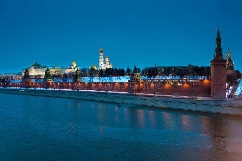 Кремль на ноче стоковое изображение rf