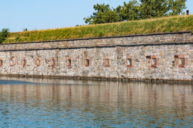 Крепостные стены на Fort Monroe в Hampton, Вирджинии стоковые изображения rf