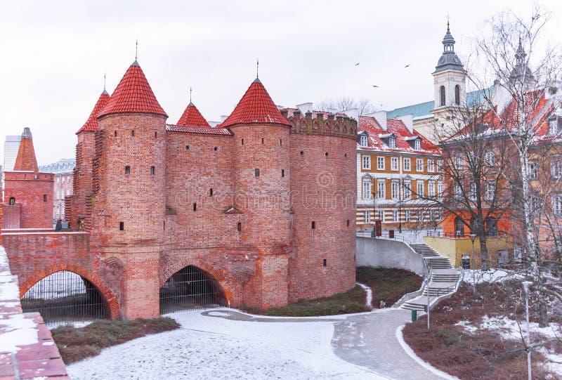Крепость барбакана Варшавы в зиме Столица Польши стоковое изображение