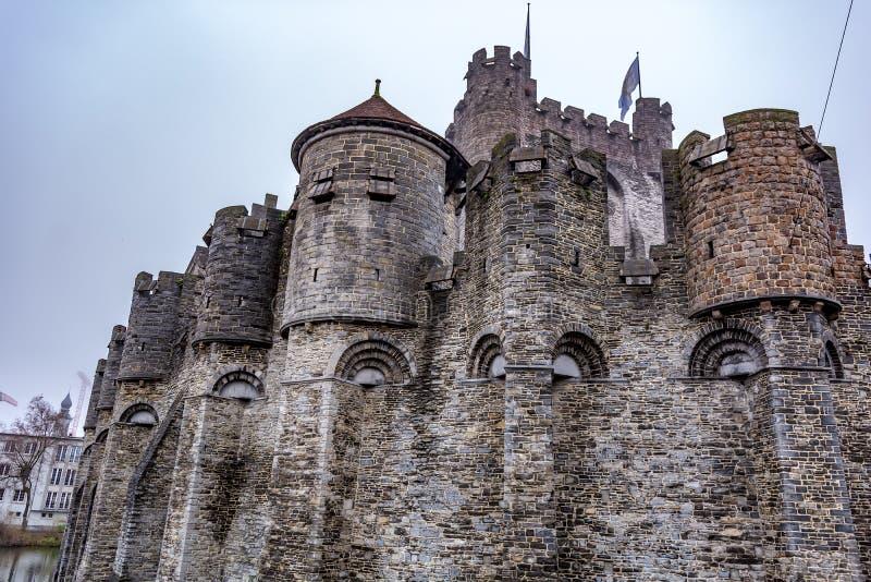 Крепость сказки известная как замок Gravensteen отсчетов стоковое изображение rf