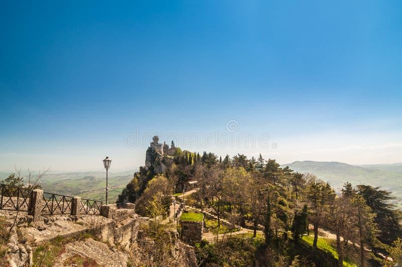 Крепость Guaita (della Guaita Rocca), замок в Re Сан-Марино стоковая фотография rf