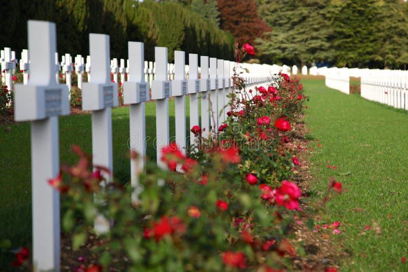 Кресты в кладбище солдат которые умерли около Вердена стоковое фото