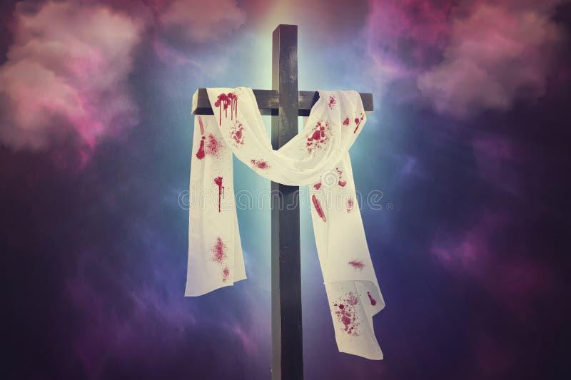 Крест против неба стоковая фотография