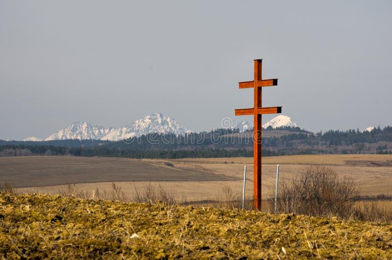 Крест словаков двойной и Vysoke Tatry стоковая фотография rf