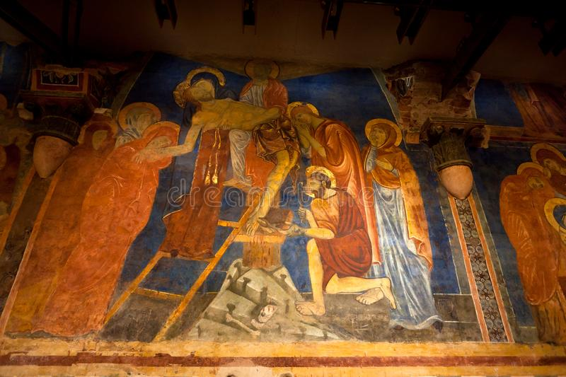 Крест Христос низложения, крипта, собор, Сиена, Тоскана, Италия стоковое изображение rf