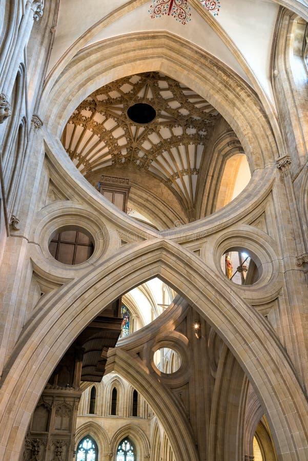 Крест ` s St Andrew сгабривает в соборе Wells стоковая фотография rf