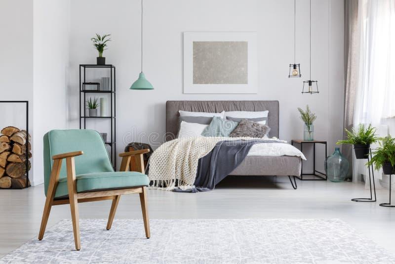 Кресло на ковре стоковое изображение