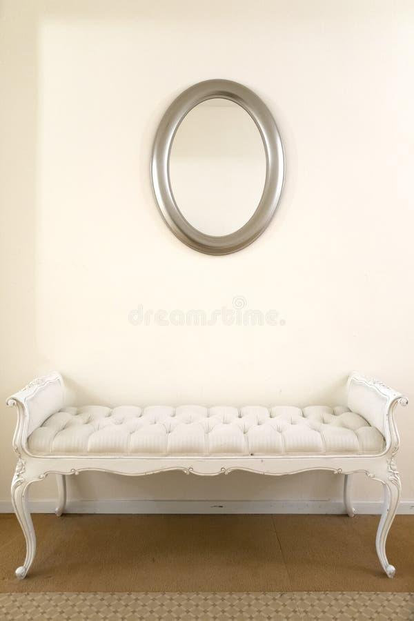 Кресло с зеркалом стоковая фотография