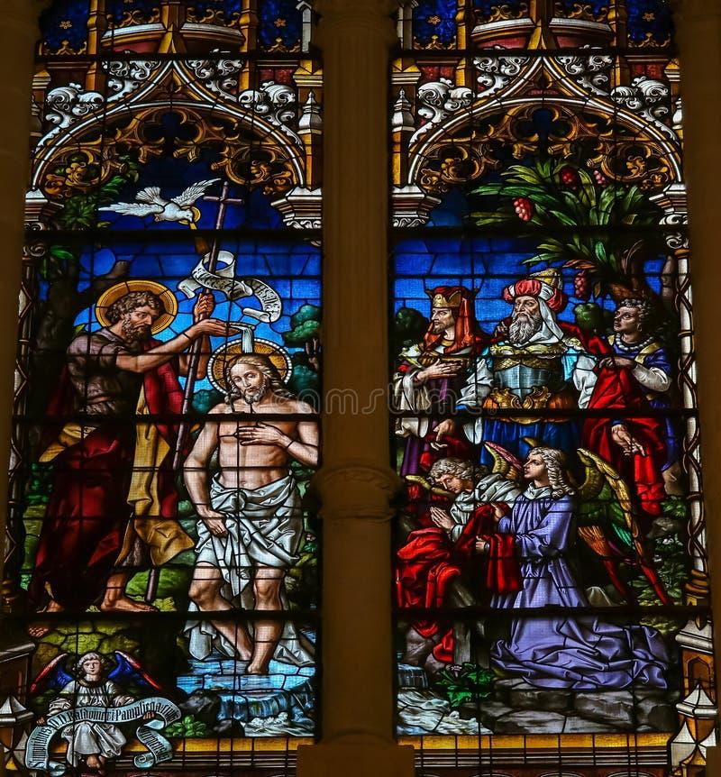 Крещение Иисуса St. John - цветным стеклом в Бургосе Cathedr стоковые фото