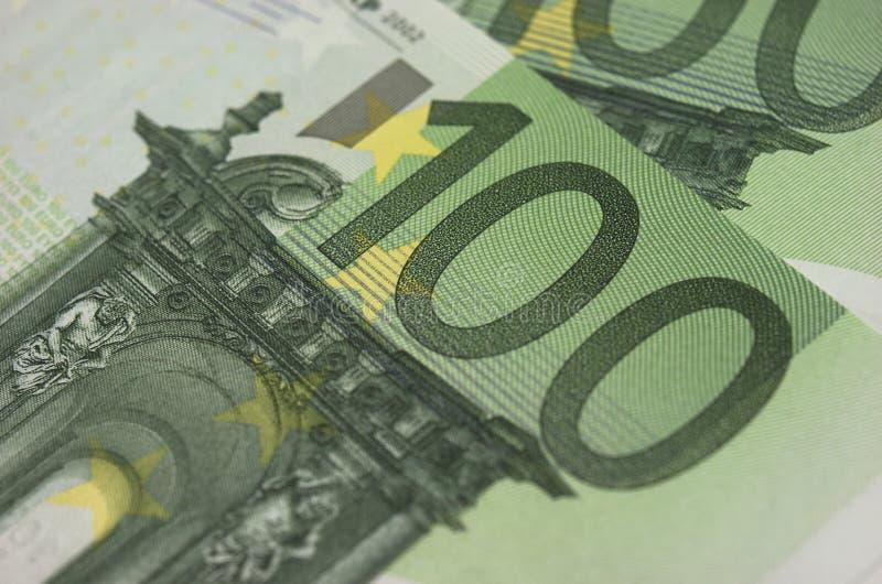 Download Кредитки евро стоковое фото. изображение насчитывающей деньги - 33728672