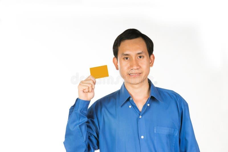 кредитная карточка выставки бизнесмена стоковые изображения