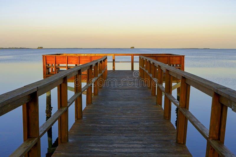 Кристаллическая пристань пляжа стоковая фотография
