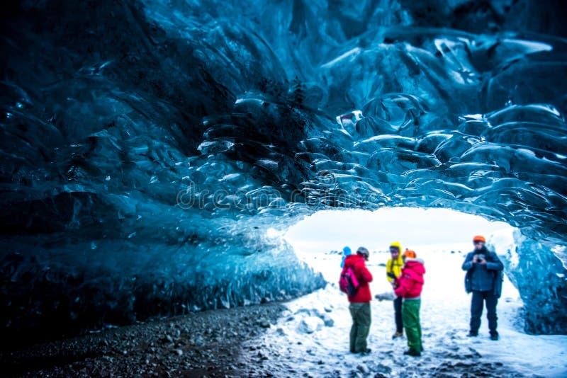 Кристаллические пещеры льда Исландия стоковые изображения