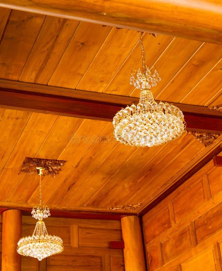 Кристаллические повешенные лампы стоковое фото