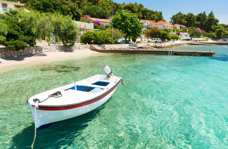 Кристл - чистая вода в Orebic на полуострове Peljesac в Далмации, Хорватии стоковые изображения rf