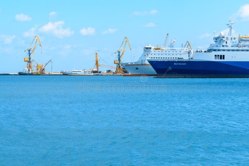 Крит, Греция, 29-ое марта 2018: Шлюпки в морском порте стоковые фото