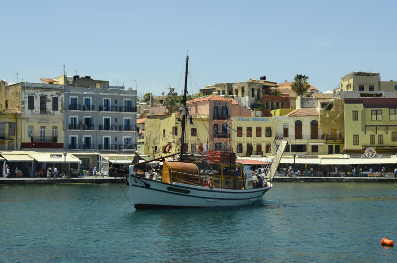 Крит Греция приземлился продолжающееся солнце лучей плоскости стоковая фотография