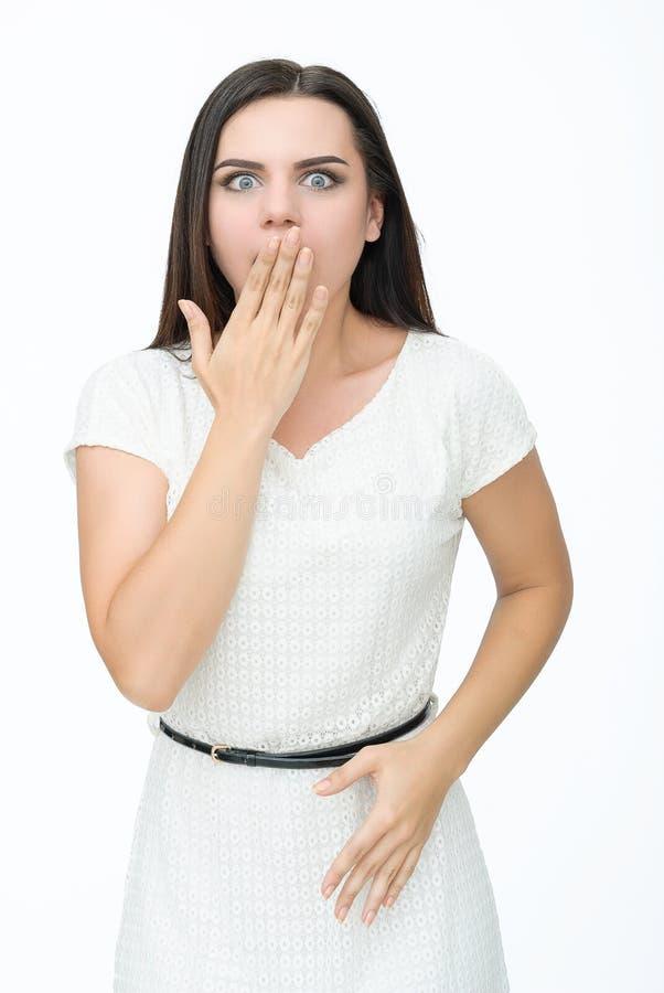 кричащие детеныши женщины стоковая фотография rf