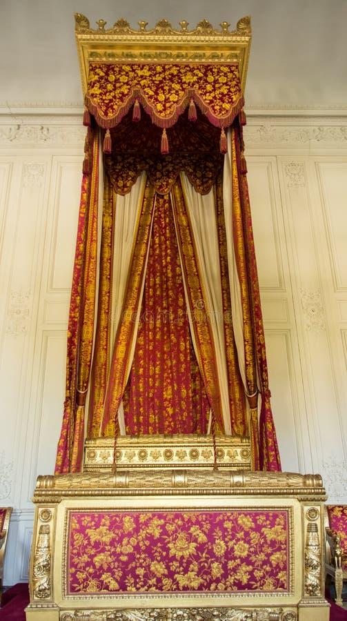 кровать королевская стоковая фотография rf