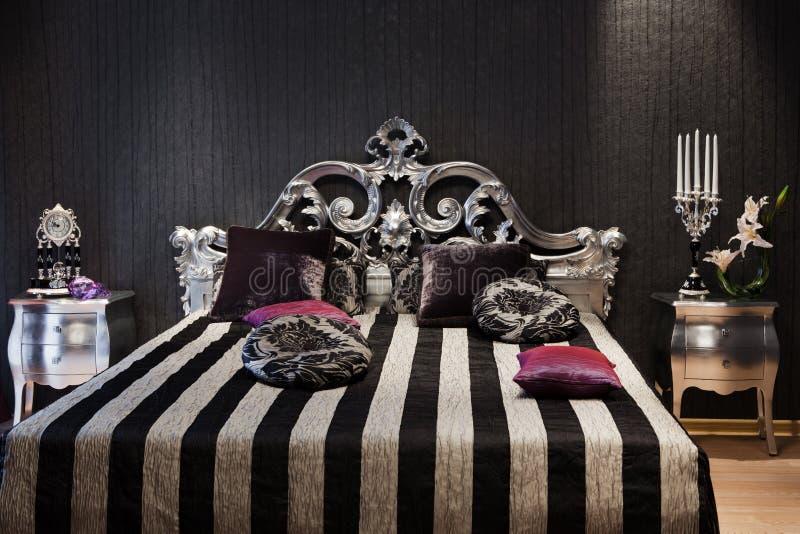 кровать модная стоковое изображение rf