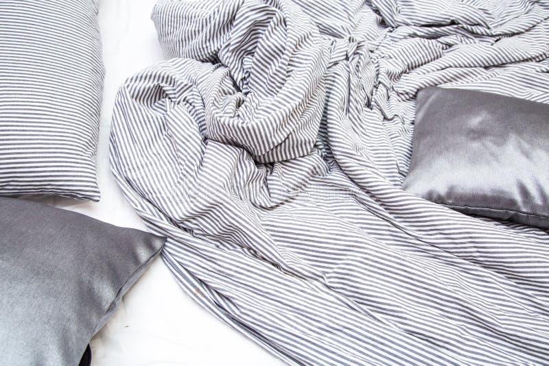 Кровать после просыпать вверх стоковые изображения