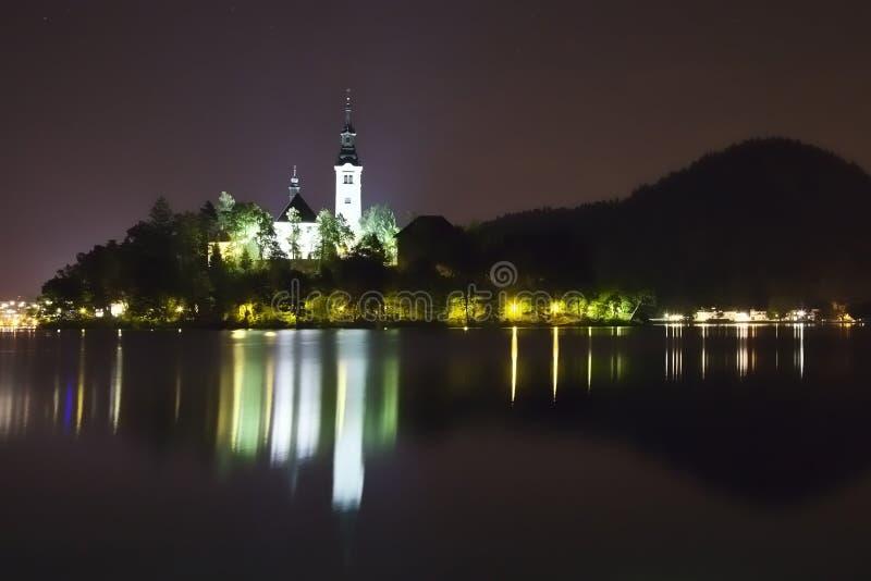 кровоточенная панорама Словения ночи озера стоковая фотография rf