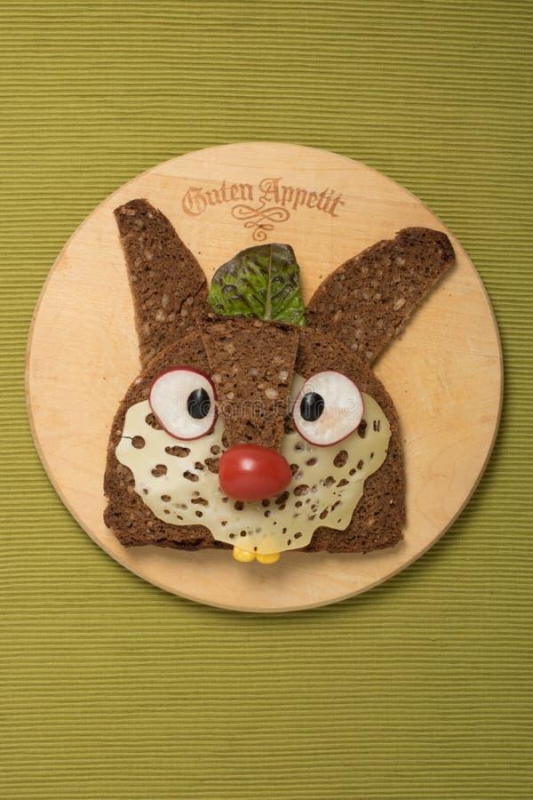 Кролик сделанный с пищевыми ингредиентами стоковые изображения rf