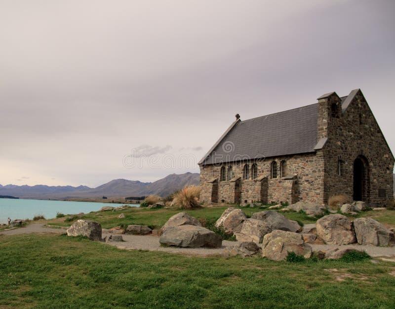 кроме tekapo озера церков старого стоковая фотография rf