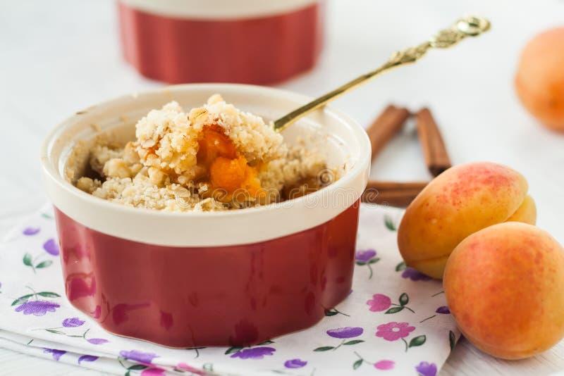 Крошите с абрикосом и циннамоном стоковое фото
