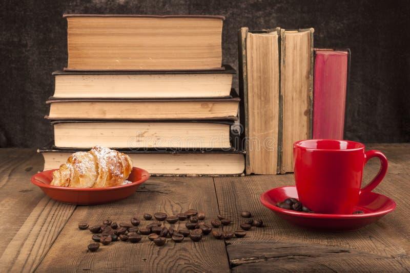 Круасант и кофе стоковое изображение rf