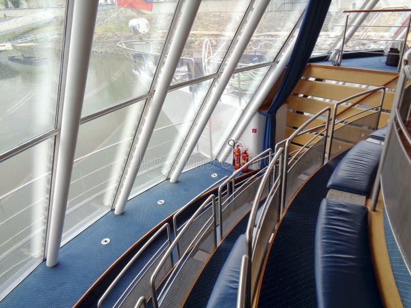 круглое окно на корабле стоковые изображения