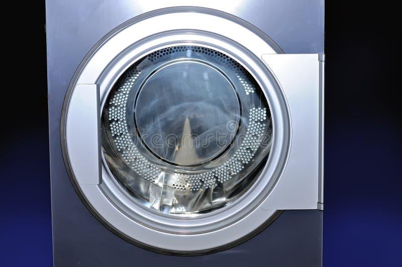Круглый люк загрузки промышленной стиральной машины стоковые изображения