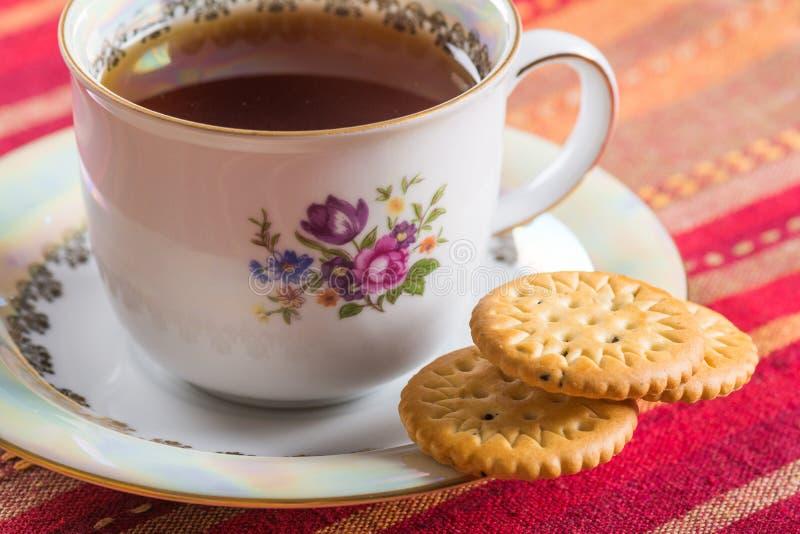 Круглые сладостные печенья с едой маковых семенен стоковая фотография rf