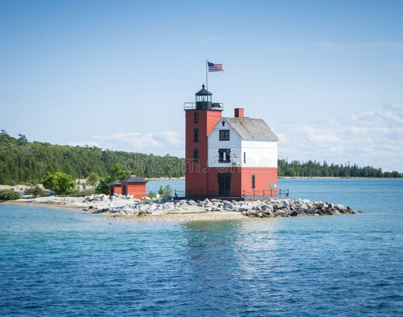 Круглый маяк острова стоковая фотография rf
