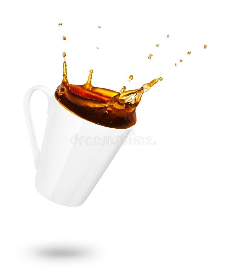 Кружка разливать кофе стоковая фотография