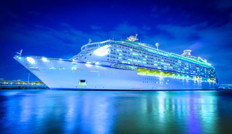 Круиз-корабль отдых карантин, вирус корона стоковые изображения rf