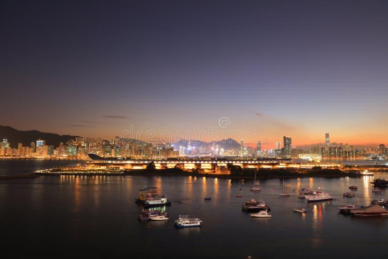 круиз tak kai с гаванью HK Виктории стоковые изображения rf