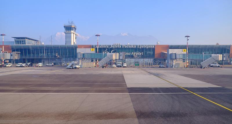 Крупный аэропорт Любляны стоковая фотография