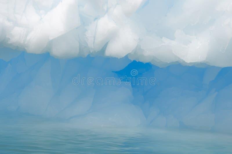 Крупный план айсберга в приантарктическом океане стоковое изображение